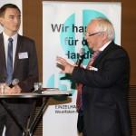 Heinz-Bert Zander, Vorstandssprecher der REWE Dortmund Großhandels eG, im Podiumsgespräch mit Fabian Weiß, Bezirksregierung Düsseldorf (v.r.n.l.)