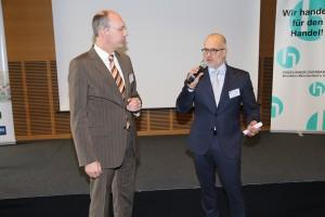 Dr. Siegbert Panteleit stellt sich den Fragen von Moderator Kay Bandermann